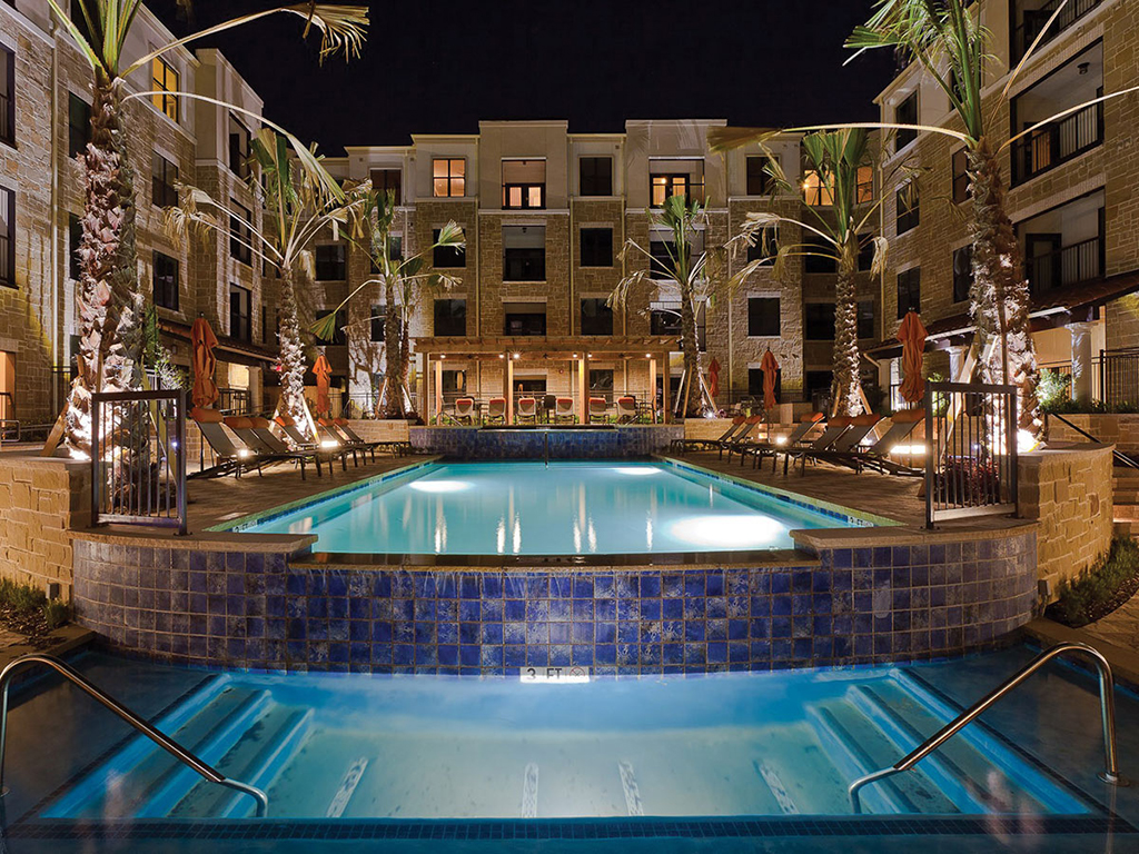 Ablon-at-Frisco-pool-night